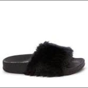 Steve Madden Furry Slide